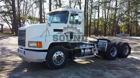 1993 MACK CH613 in Wilmington,