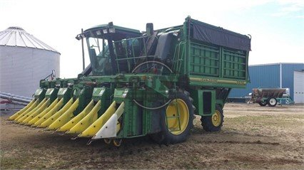 JOHN DEERE 9976 in North