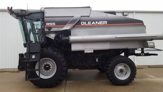 2005 GLEANER R55 in Arthur,