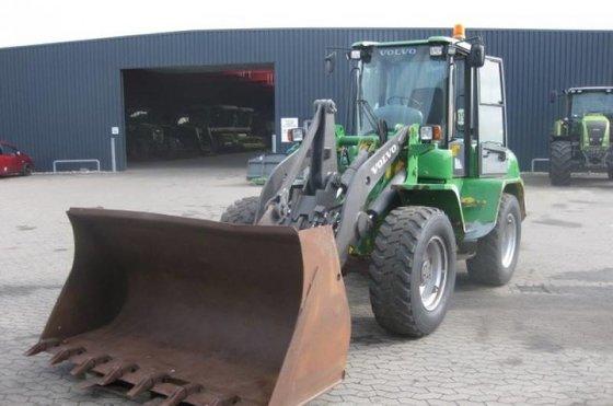 2004 L 45 B Compact