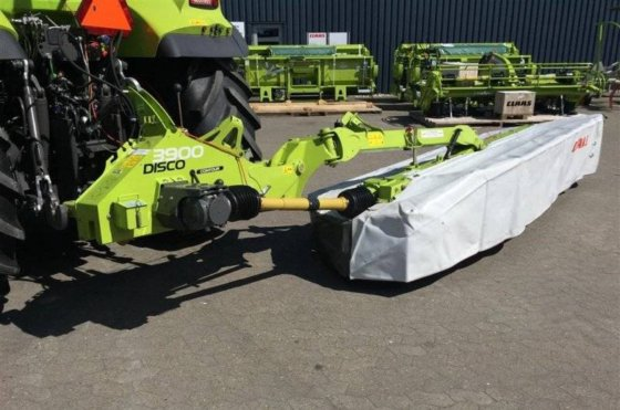 CLAAS DISCO 3900 Contour. Mowing