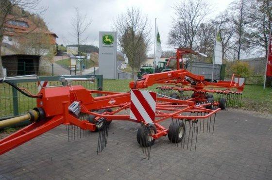 2006 Kuhn GA 7822 Windrower