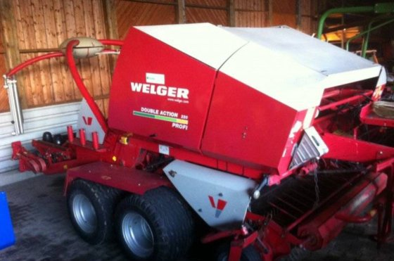 2004 Welger Double Action 220