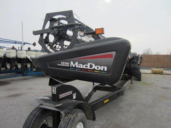 2010 MacDon FD70 Header/Platform in