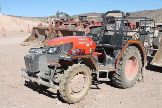 2011 Kubota M5640 Tractor in