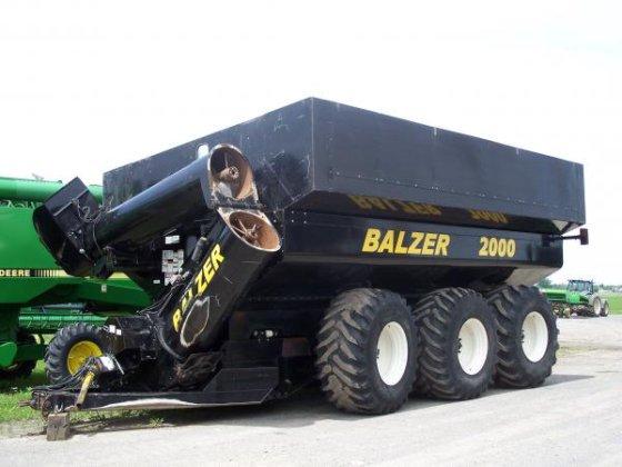 Grain Cart Balzer 2000 U-42405 in Mirabel, Québec, Canada
