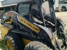 2011 New Holland Construction L