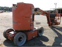 Used 2007 JLG E400AJ