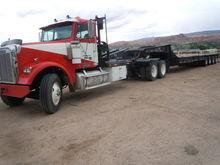 FREIGHTLINER FLD120 Winch Truck