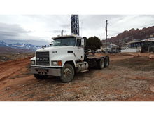 MACK CHN613 Flatbed Trucks for