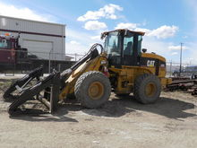 Used CATERPILLAR Con