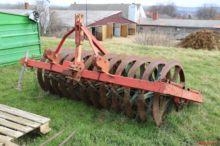 Mais und Rübenlegemaschine