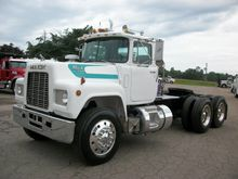 1988 Mack RD688ST