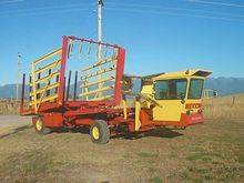 1985 New Holland 1069