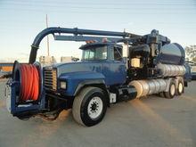 2001 Mack RD688S