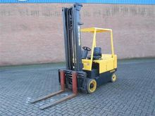 Used 2004 HYSTER E5.