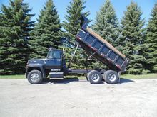 1990 FORD LT8000