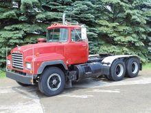 1992 MACK RD688S