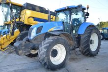2012 NEW HOLLAND 7040