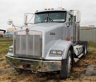 2006 Kenworth T800 Daycab Truck