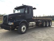 2005 Volvo Roll Off Truck