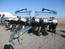 Used 1997 Kinze 2200