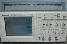 Tektronix TDS220 2ch Digital Re