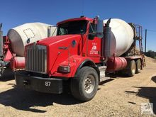 2007 Kenworth T800 T/A Cement T