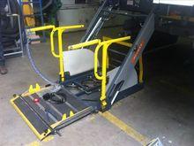 2005 Onbekend 2 x Lift Rolstoel