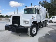 Used 2000 MACK DM600