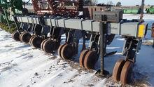 Hiniker 5000 Row Crop Cultivato