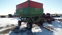 Dakon 300 Bushel Gravity Wagon