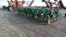 John Deere 885 3pt Cultivator