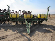 John Deere 7200 6 Row Planter