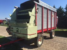 Dion 1016R Forage Box on Horst