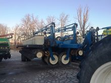 2000 Kinze 2700 24 Row Planter