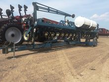1996 Kinze 2600 16 Row Planter