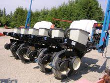 1998 Kinze 2000 6 Row Planter