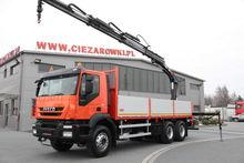 2010 IVECO TRAKKER 330 6x4 CRAN
