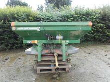 2003 Amazone Fertiliser spreade