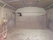 OVEN CLEANER WITH SPRAY BOOTH #