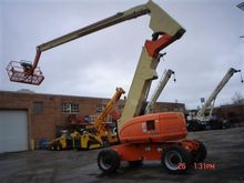 2000 JLG 800A Self-Propelled Bo