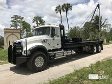 2009 Mack GU713 T/A Winch Truck