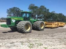 John Deere 9400 Scraper Tractor