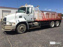 Mack CX613 T/A Flatbed Truck