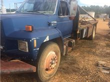 1993 1993 Ford F700 Winch Truck