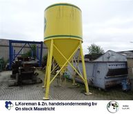 Silo with worm conveyor M-tec