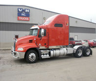 2013 Mack PINNACLE