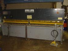 MANTECH 3206 Hydraulic Guilloti