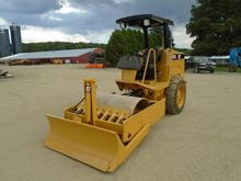 1998 CATERPILLAR CS-323C